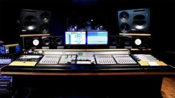 studio registrazione sala regia min