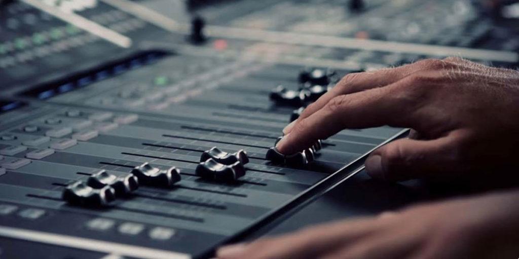 mix e mastering in studio di registrazione